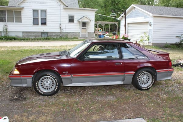 Photo 1988 Ford Mustang GT-CUSTOMER SOLD