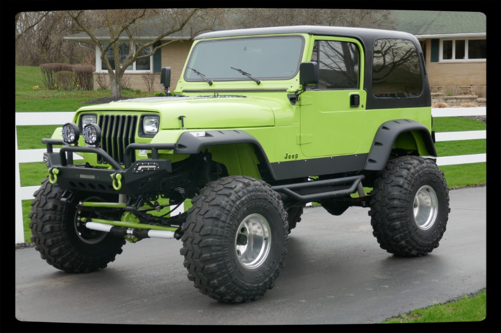 Photo 1993 Jeep Wrangler -4X4 YJ GRAVE DIGGER JR-LIFTED-BIG LITTLE TRUCK-SEE VIDEO-
