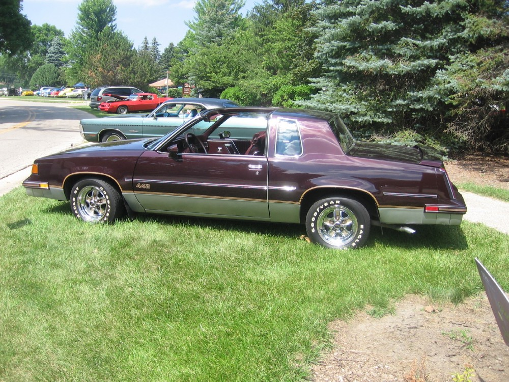 Photo 1987 Oldsmobile 442 1 OF 1111 BUILT WITH T-TOPS-SUPER LOW MILES