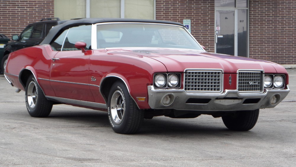 Photo 1972 Oldsmobile Cutlass RUST FREE CONVERTIBLE-FULL OF OPTIONS-SUMMER FUN-SEE VIDEO