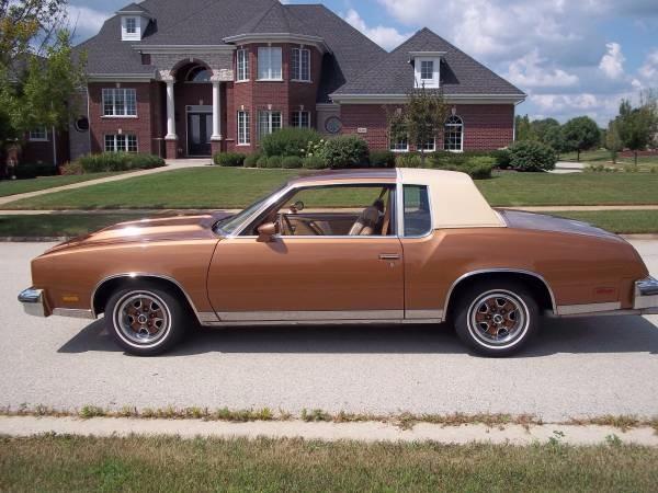 Photo 1979 Oldsmobile Cutlass 350 V8 -AUTOMATIC- CLASSIC- CRUISER- TURN KEY