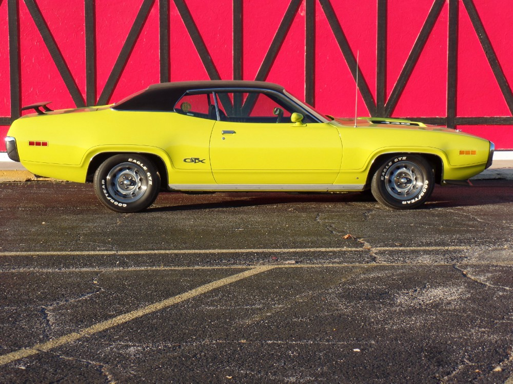 Photo 1971 Plymouth GTX WHAT A MUSCLE CAR-VERY RARE  HIGHLY OPTIONED