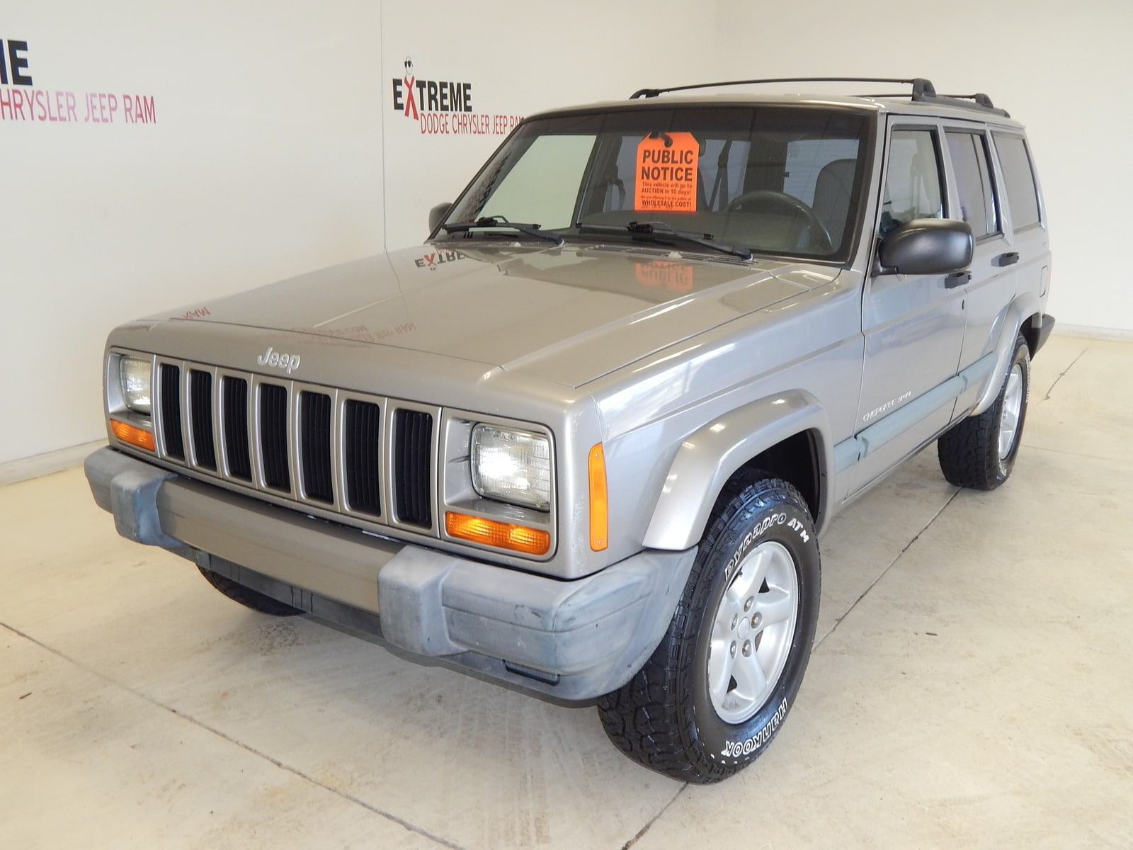 Photo 2000 Jeep Cherokee 4dr Sport 4WD SUV 4x4 For Sale  Jackson, MI