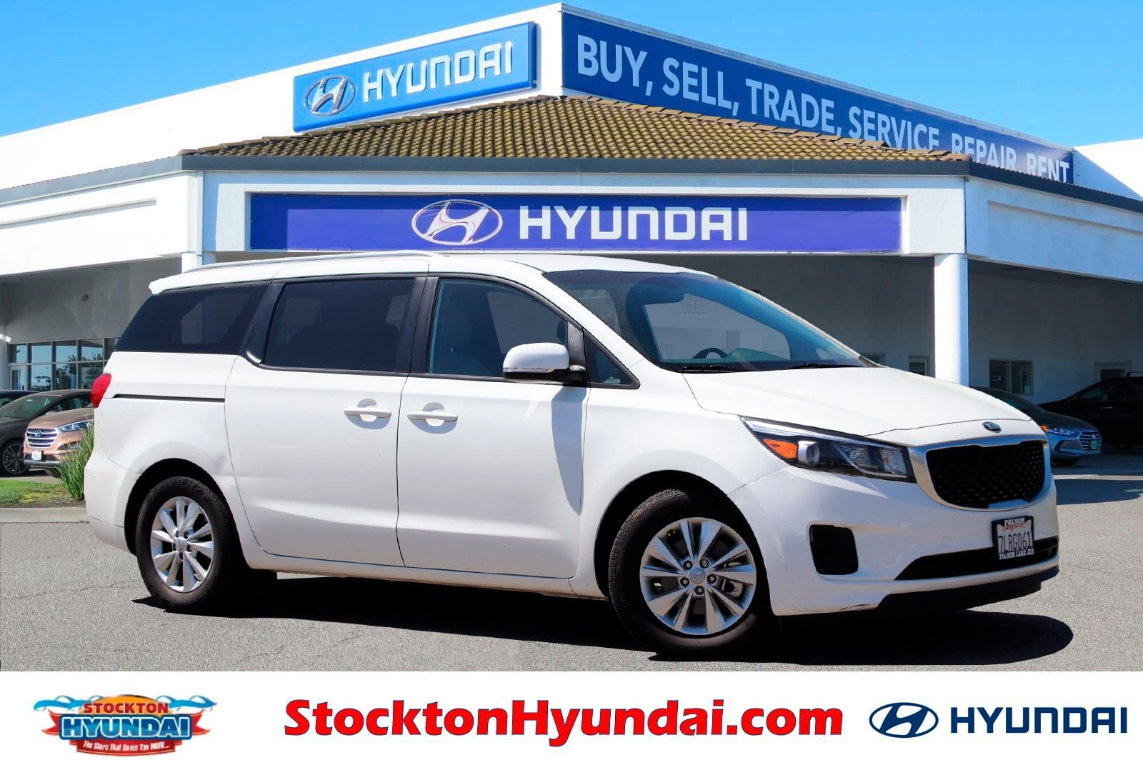 Photo Used 2015 Kia Sedona LX FWD Van For Sale Stockton, California