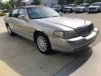 2003 Lincoln Town Car Executive Sedan V-8 cyl