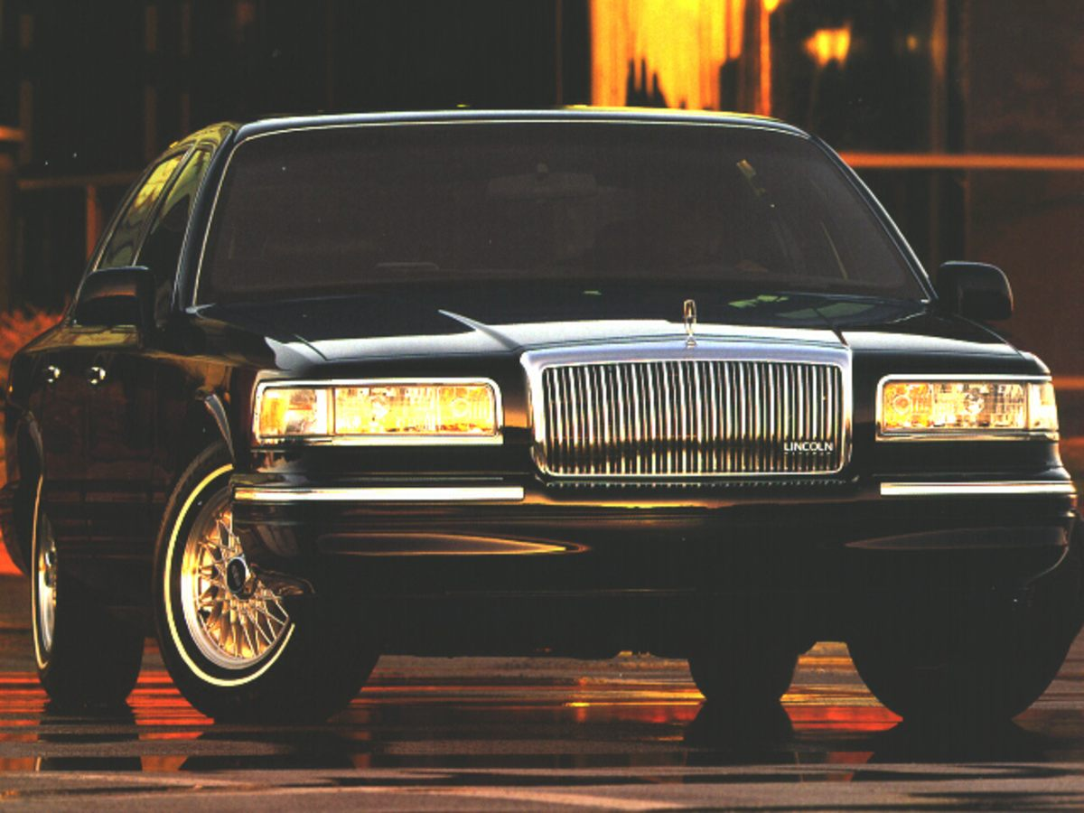 Photo Used 1996 Lincoln Town Car Signature For Sale  Sandy UT