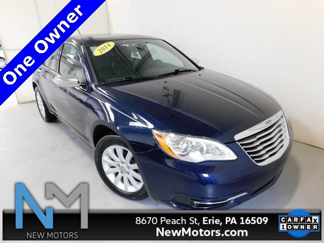 Photo 2014 Chrysler 200 Limited in Erie, PA