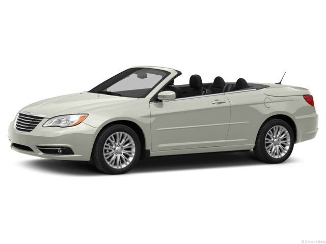 Photo Used 2013 Chrysler 200 Limited Convertible For Sale in Seneca, SC