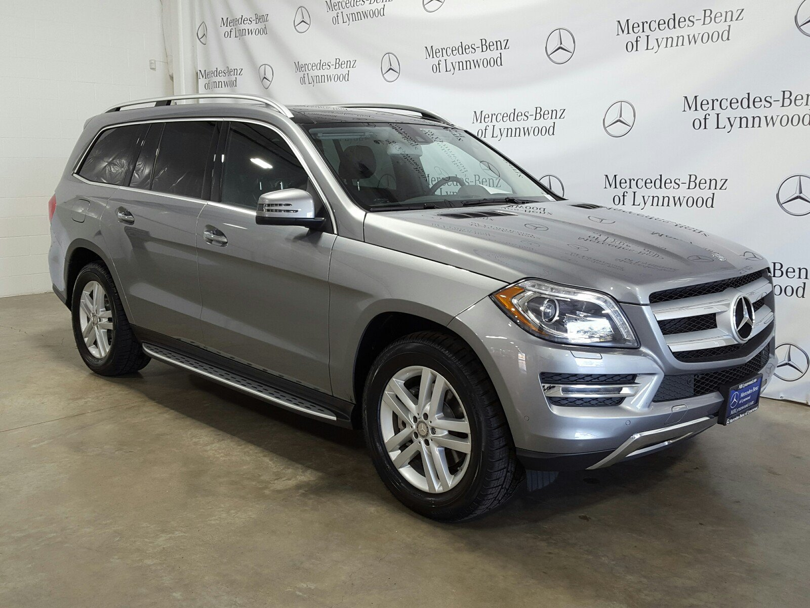 Photo Certified Pre-Owned 2016 Mercedes-Benz GL 450 4MATIC