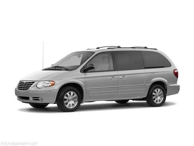 Photo Used 2006 Chrysler Town  Country Limited in Marysville, WA