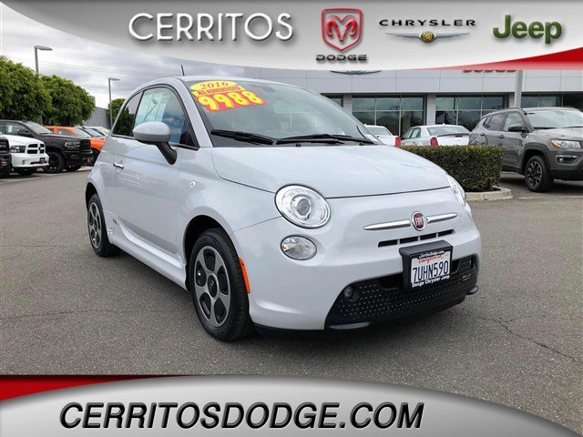 Photo Used 2016 FIAT 500e Battery Electric for Sale in Cerritos