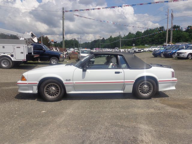Photo 1988 Ford Mustang GT