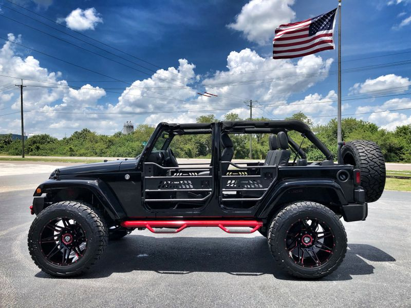 Photo Used 2018 Jeep Wrangler JK Unlimited CUSTOM SAHARA HARDTOP LEATHER OCD XF N-FAB