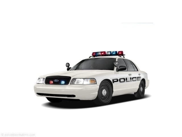 Photo Used 2008 Ford Crown Victoria Police Interceptor w3.27 Axle Sedan