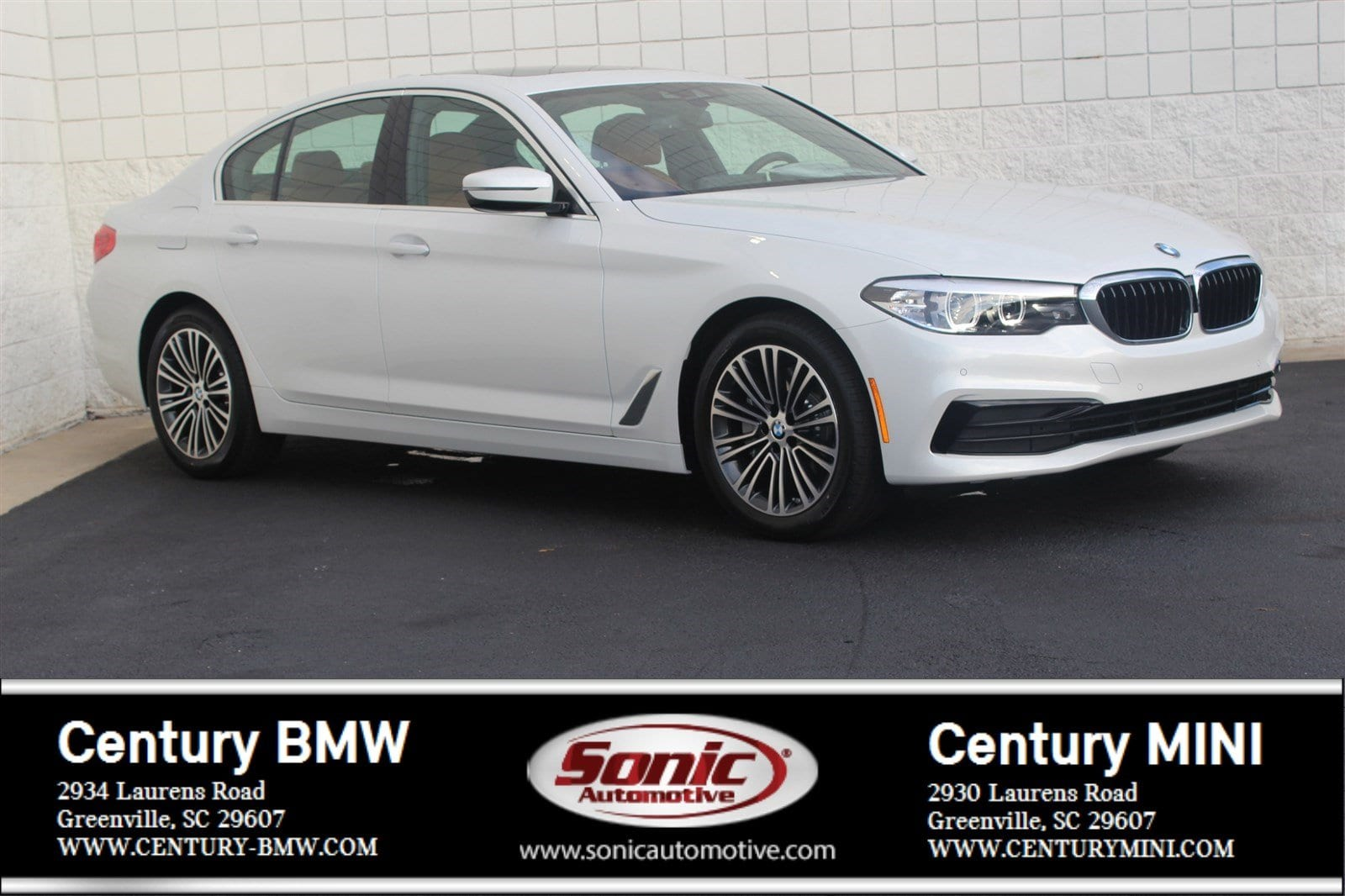 Photo Pre-Owned 2019 BMW 5 Series 530i Sedan in Greenville, SC