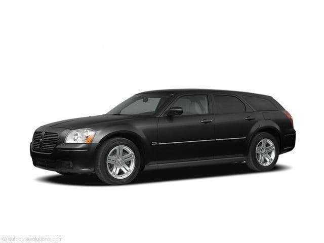 Photo Pre-Owned 2005 Dodge Magnum RT