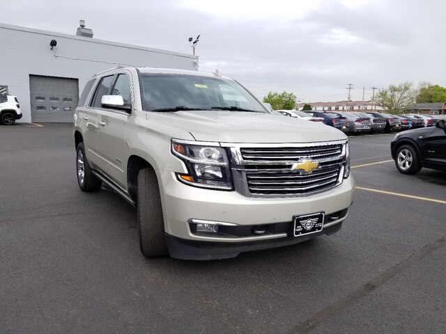 Photo Pre-Owned 2015 Chevrolet Tahoe LTZ Memory settings for 2 drivers SUV