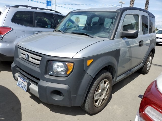 Photo Used 2008 Honda Element LX for sale in Fremont, CA