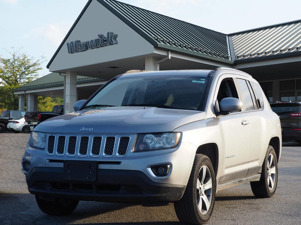 Photo Certified Pre-Owned 2017 Jeep Compass High Altitude 4x4 High Altitude SUV in Warwick near Ramsey, NJ