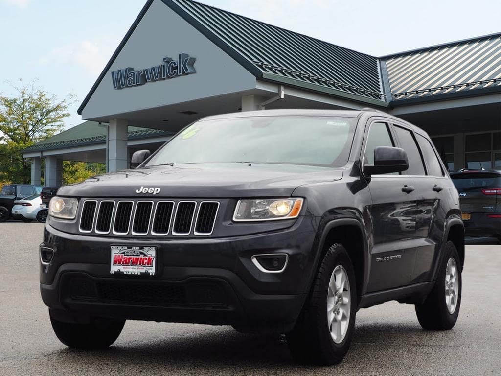 Photo Certified Pre-Owned 2016 Jeep Grand Cherokee Laredo 4x4 Laredo SUV in Warwick near Ramsey, NJ