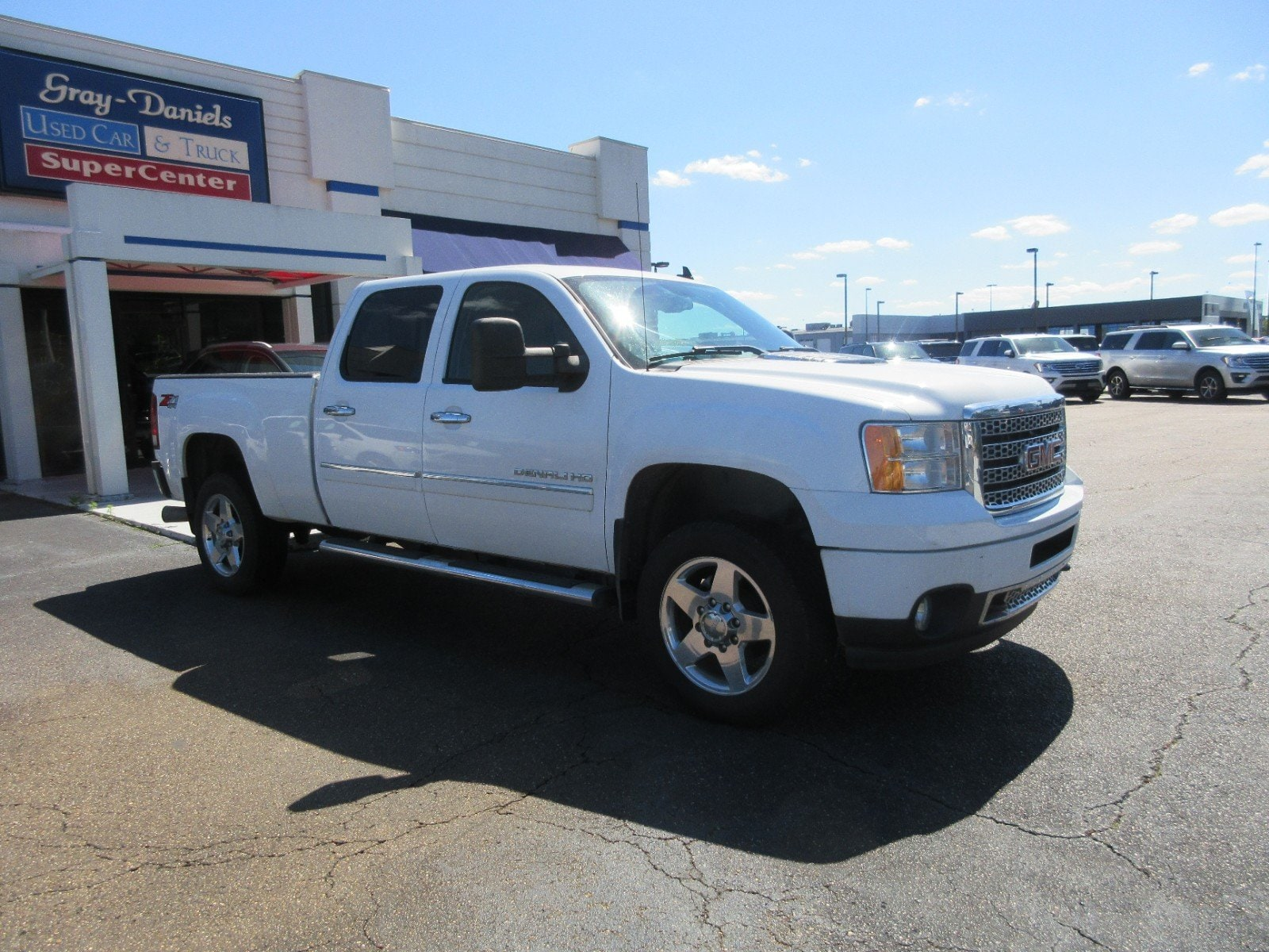 Photo 2011 GMC Sierra 2500HD Denali 4WD Crew Cab 153.7 Denali 8