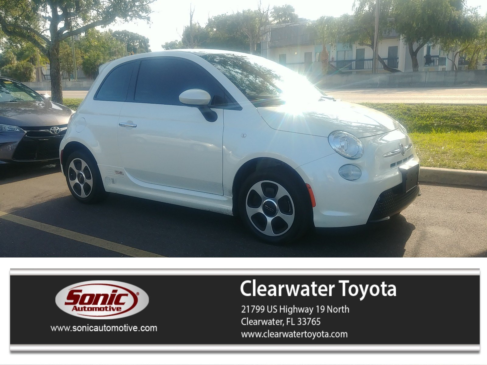 Photo 2015 FIAT 500e 2dr HB Battery Electric Hatchback in Clearwater