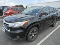 2016 Toyota Highlander XLE V6 Navigation, Sunroof & 2nd Row Captains Seat SUV Front-wheel Drive 4-door
