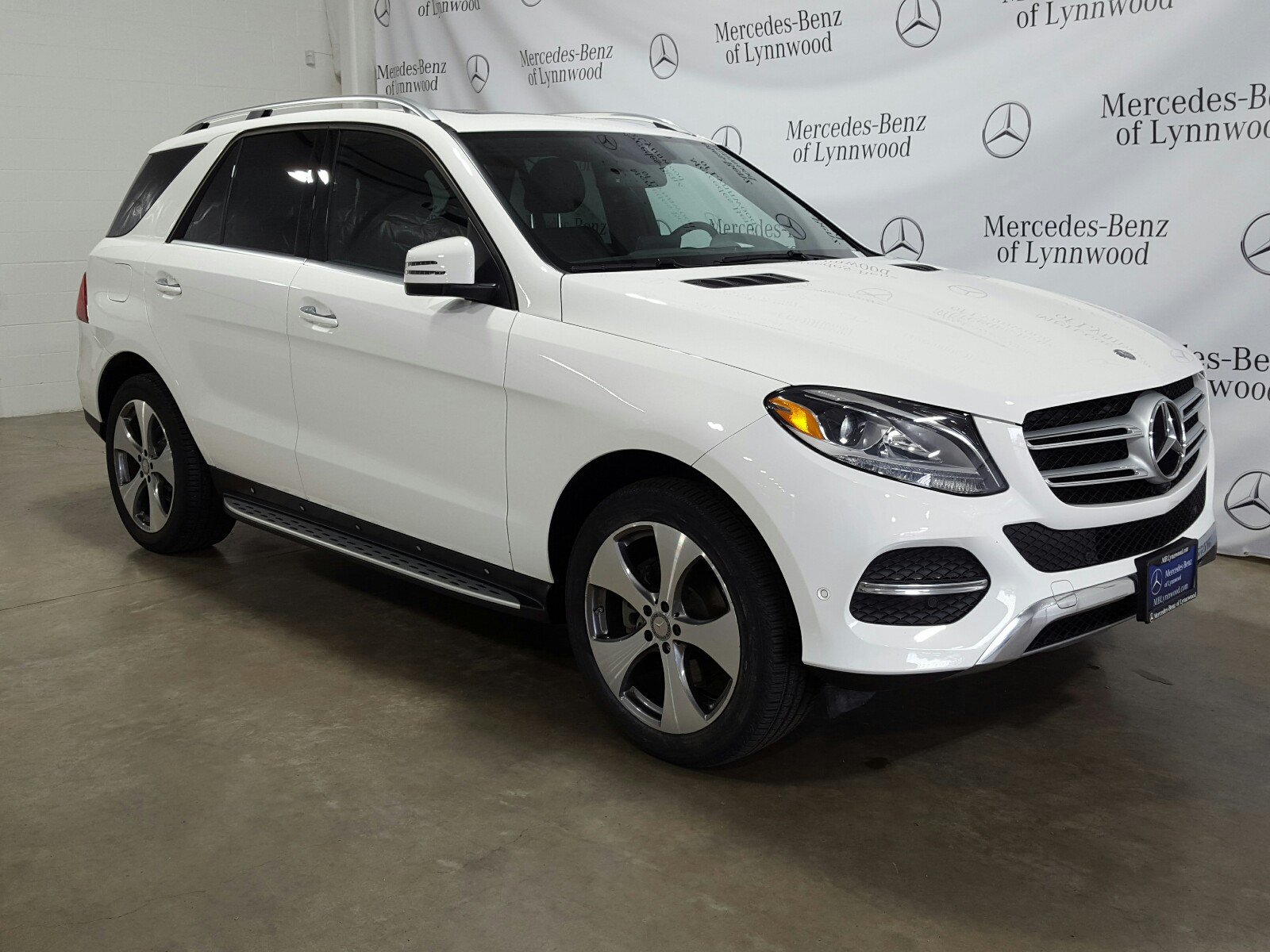 Photo Certified Pre-Owned 2016 Mercedes-Benz GLE 350 4MATIC