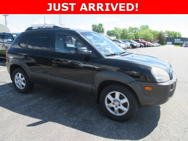 Photo Used 2005 Hyundai Tucson GLS GLS FWD 2.7L V6 Auto for Sale in Waterloo IA