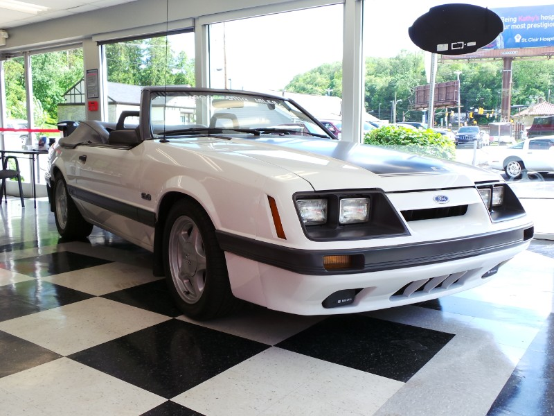 Photo 1985 Ford Mustang 2dr Convertible GT Auto