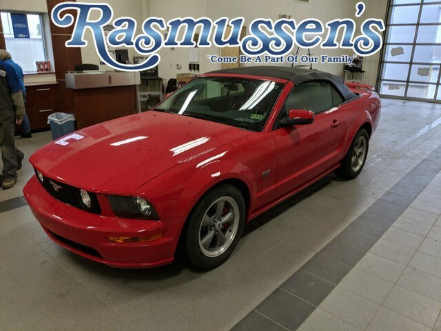 Photo 2005 Ford Mustang GT Premium Convertible OHC 24-Valve V8 Engine