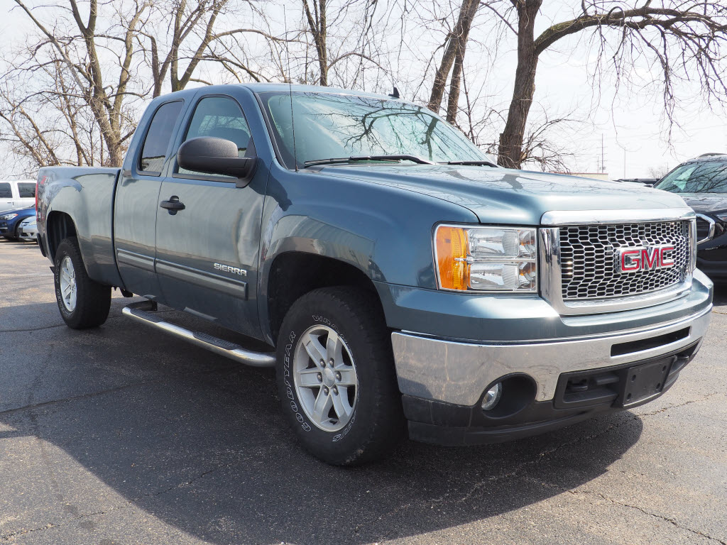 Photo Pre-Owned 2012 GMC Sierra 1500 SLE Extended Cab 4WD in Schaumburg, IL, Near Palatine