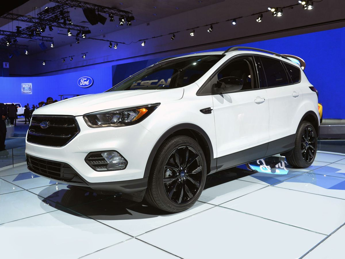 Photo Certified Pre-Owned 2018 Ford Escape Titanium in Jackson, TN