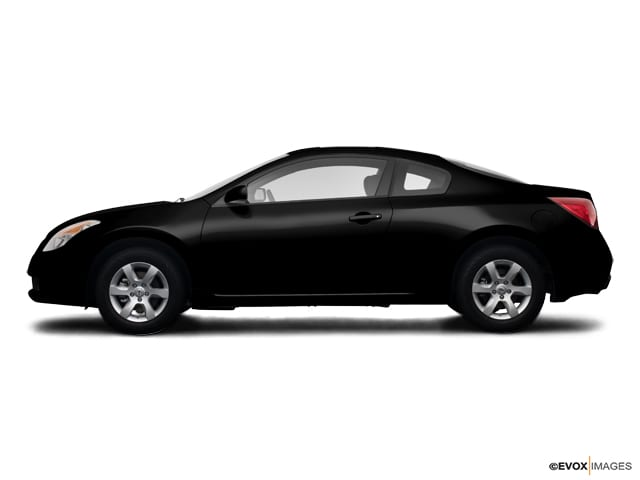 Photo Used 2009 Nissan Altima 2.5 S 2dr Cpe I4 CVT Coupe in Glenwood Springs
