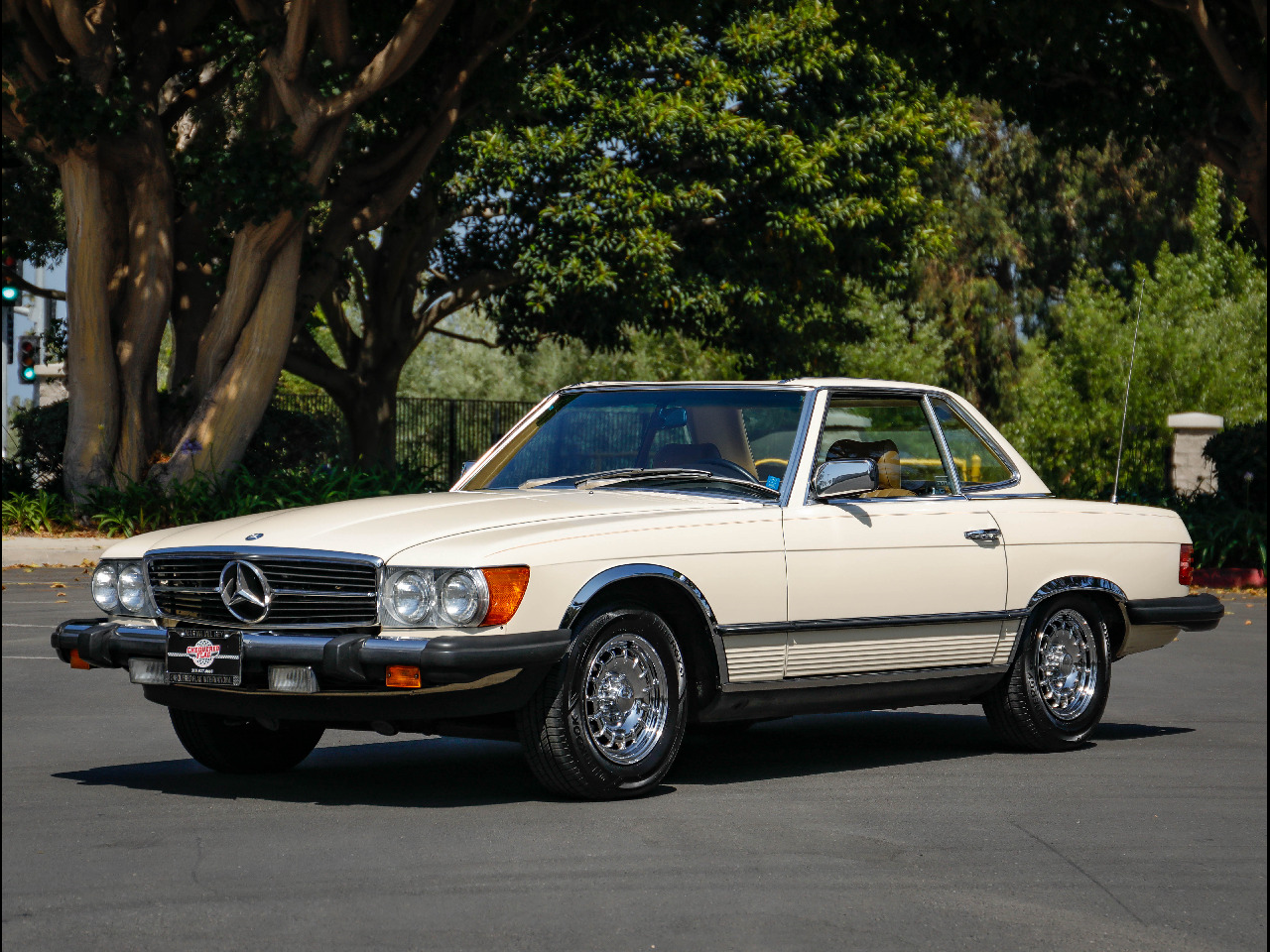 Photo 1984 Mercedes-Benz 380 Series 2dr Roadster 380SL