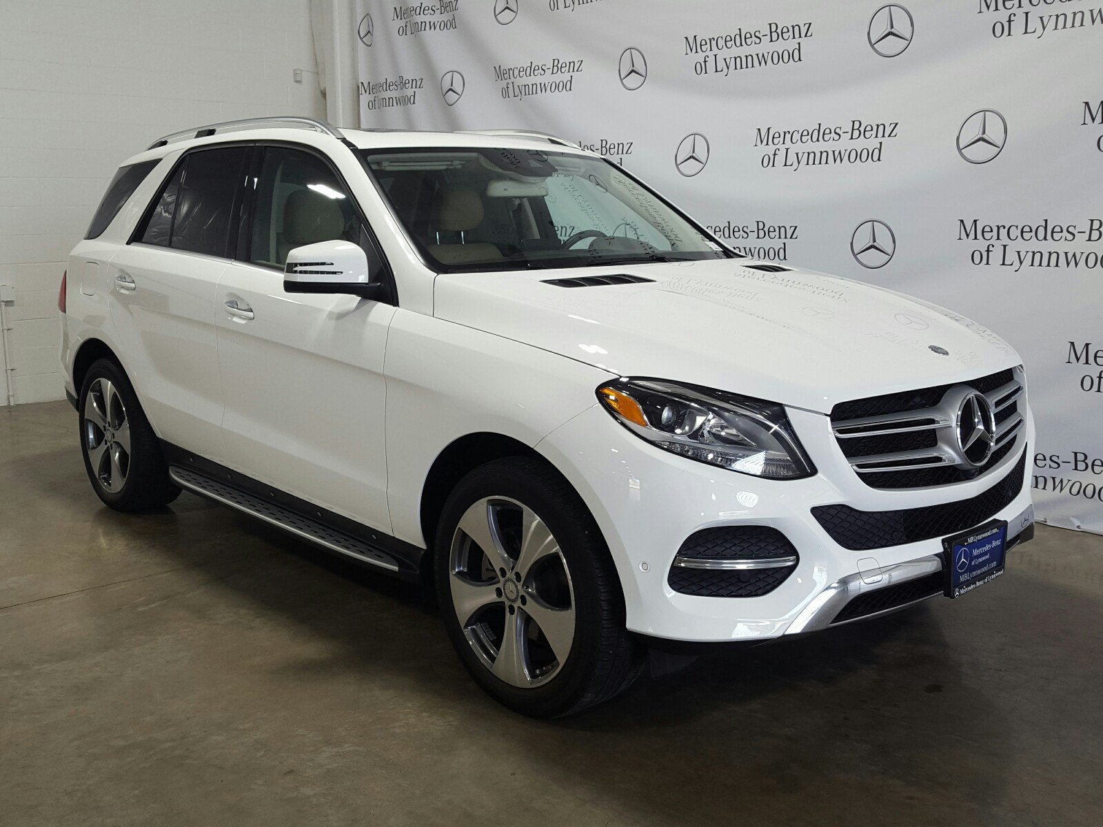 Photo Pre-Owned 2016 Mercedes-Benz GLE 350 4MATIC