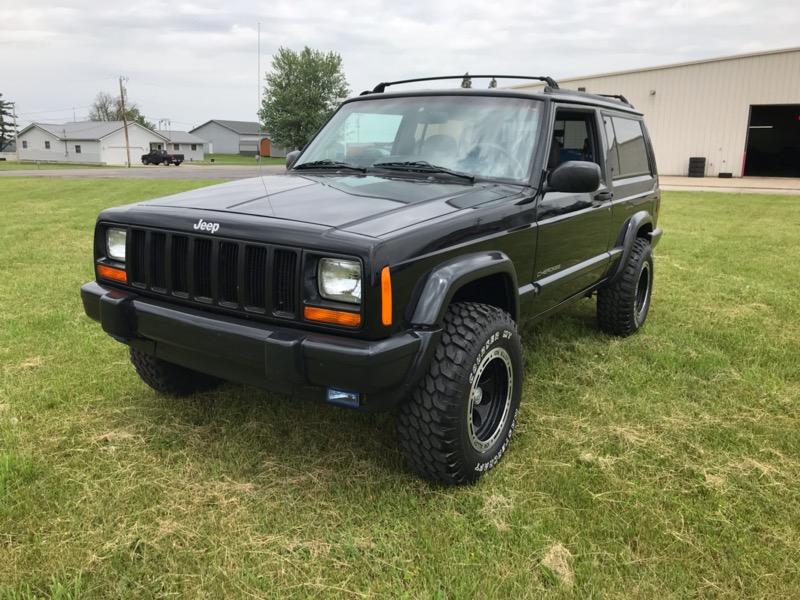 Photo 1998 Jeep Cherokee Sport 2-Door 4WD