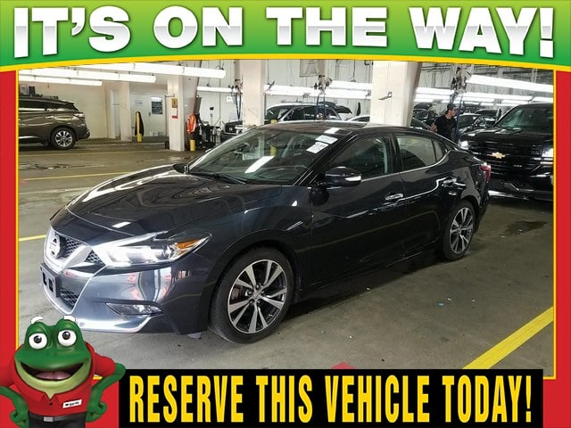 Photo Used 2016 Nissan Maxima 3.5 SL - Dual Moonroof - Navigation For Sale Near St. Louis