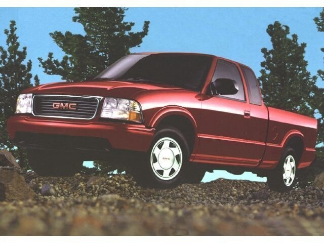 Photo Used 2002 GMC Sonoma SLS For Sale in Allentown, PA