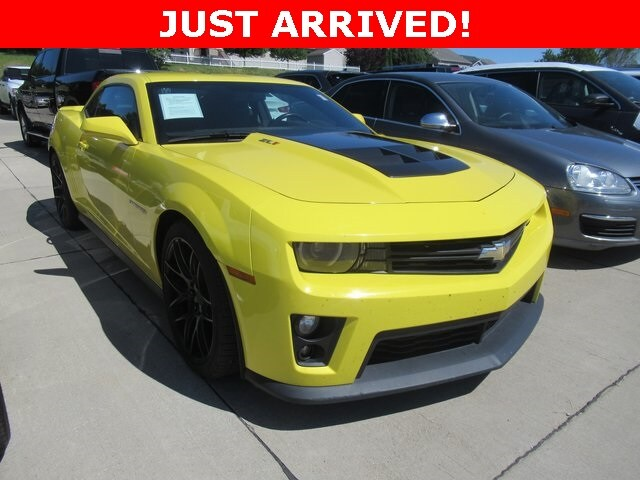 Photo Used 2014 Chevrolet Camaro ZL1 Coupe for Sale in Waterloo IA