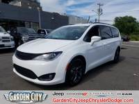 Used 2018 Chrysler Pacifica Touring L Plus For Sale | Hempstead, Long Island, NY
