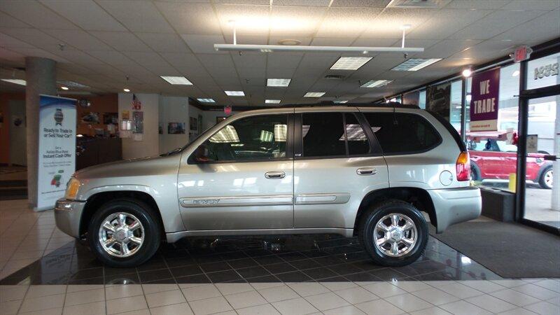 Photo 2002 GMC Envoy SLT 4WD for sale in Cincinnati OH