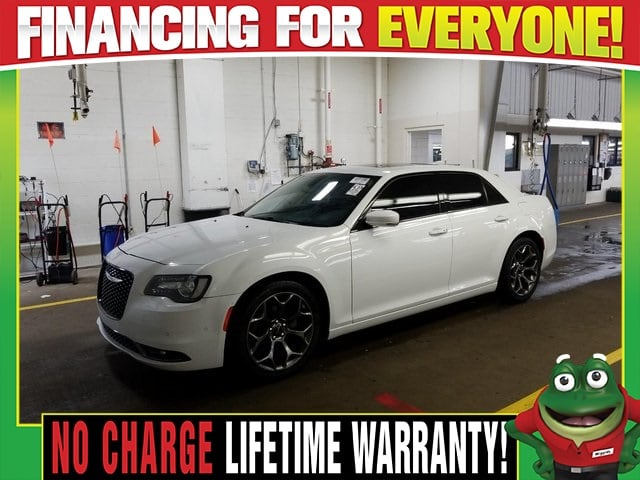 Photo Used 2016 Chrysler 300 S - Moonroof - Heated Leather For Sale Near St. Louis