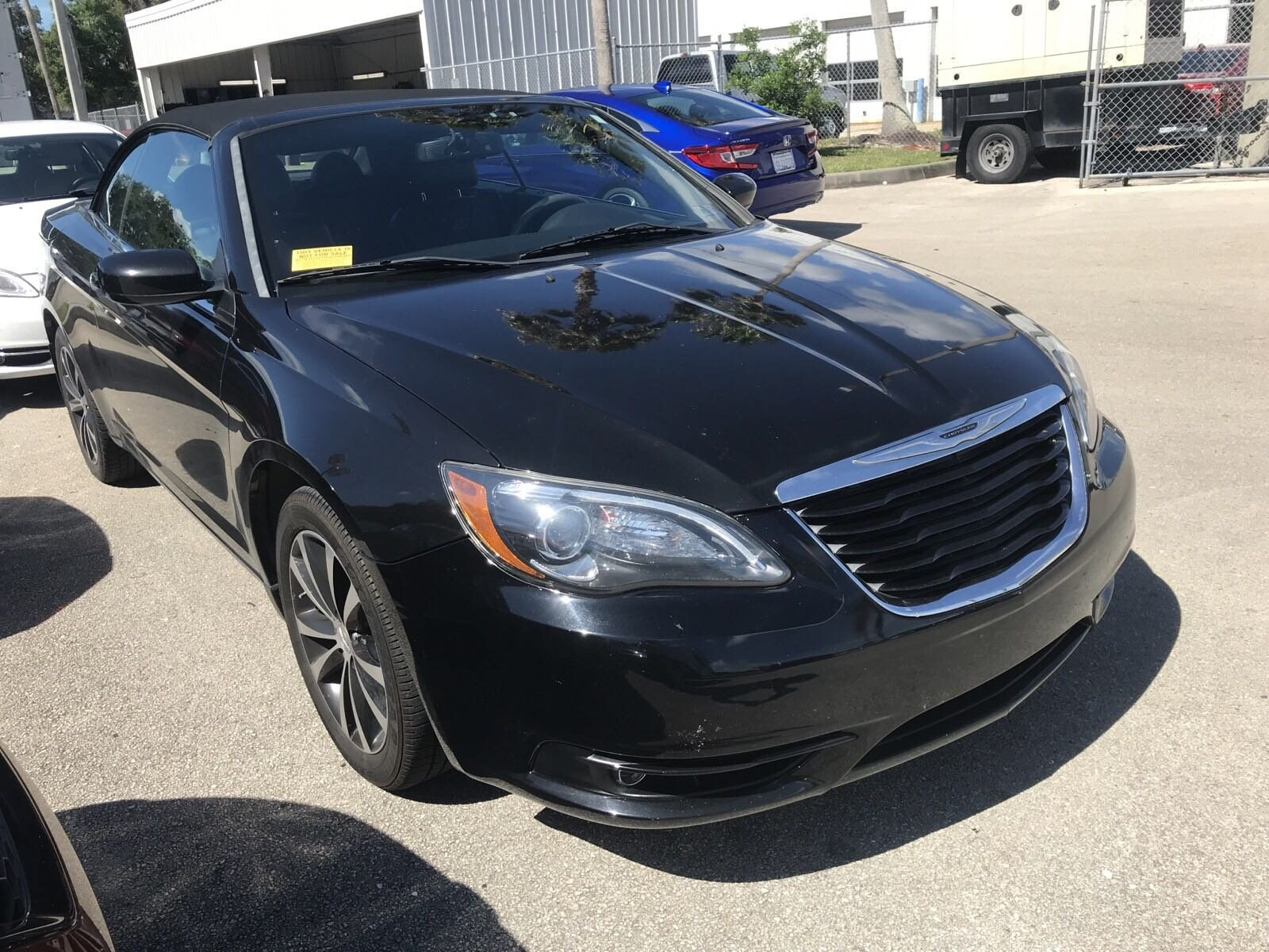Photo Pre-Owned 2012 Chrysler 200 S Convertible in Jacksonville FL