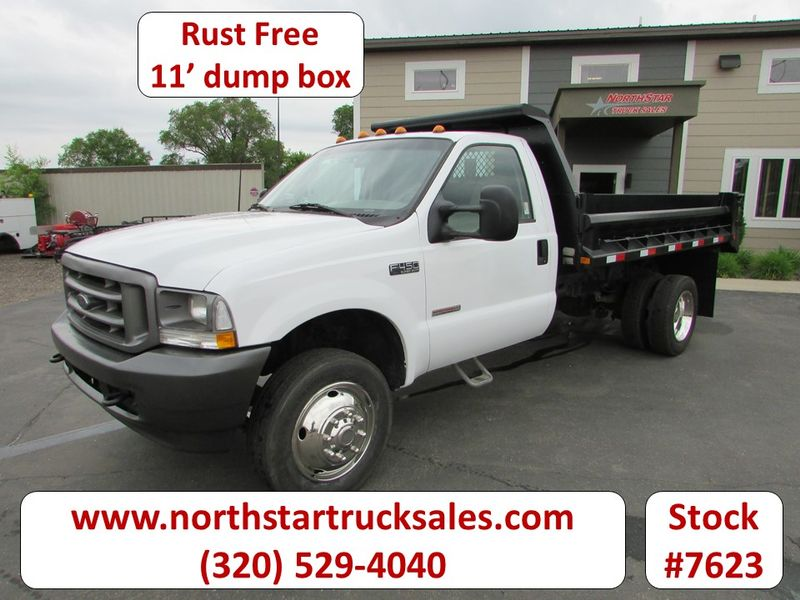 Photo Used 2004 Ford F-450 Dump Truck