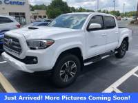 Pre-Owned 2017 Toyota Tacoma Truck Double Cab