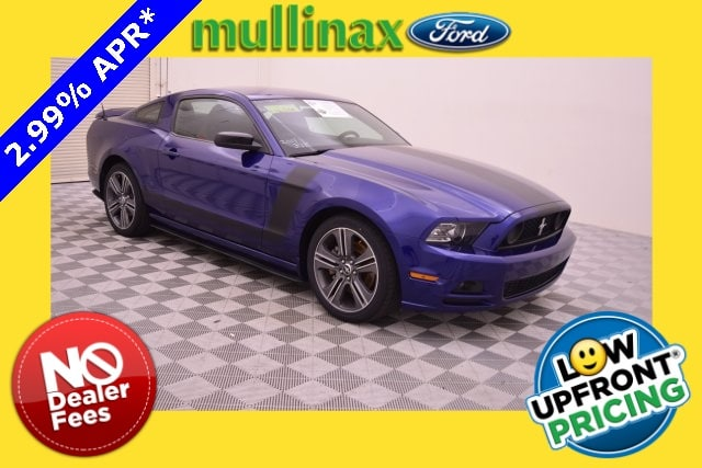 Photo Used 2014 Ford Mustang V6 W Performance Package, Recaro Seats Coupe V-6 cyl in Kissimmee, FL