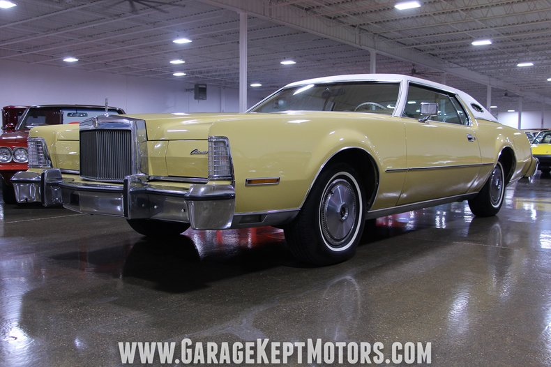Photo 1974 Lincoln Continental Mark IV