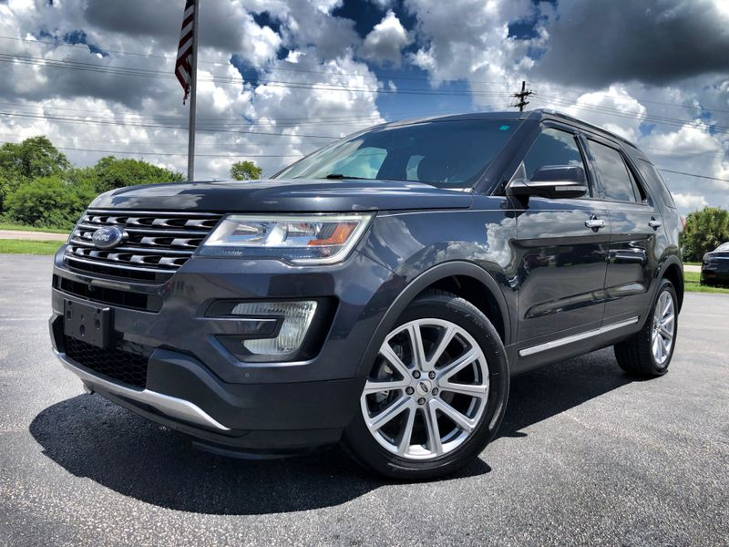 Photo Used 2017 Ford Explorer LIMITED LEATHER NAV 1 OWNER CARFAX CERT