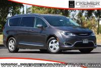 2018 Chrysler Pacifica Hybrid Limited Minivan